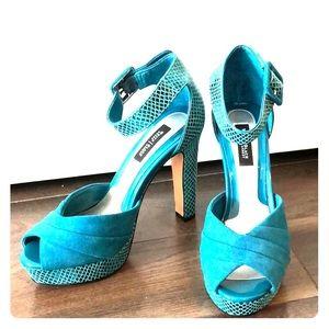 Sea green heels